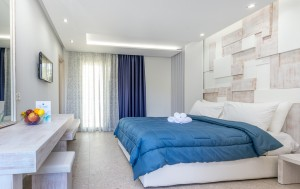2 the-elegant-apts-thassos-1-bedroom-apartment-23.jpg