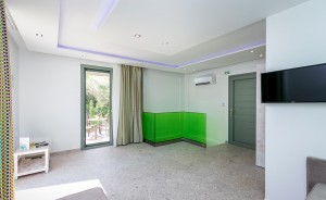 7 the-elegant-apts-thassos-superior-maisonette-6.jpg